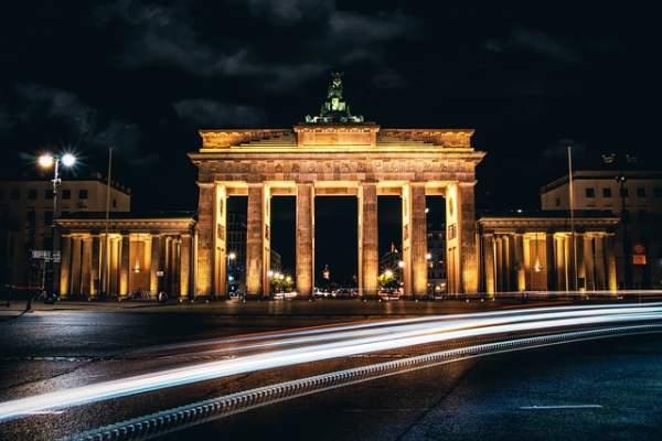 La imagen tiene un atributo ALT vacío; su nombre de archivo es berlin-5843142_640.jpg